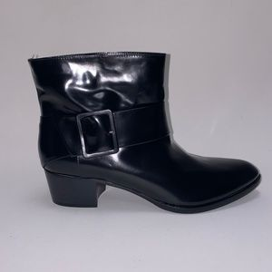 NEW. GIORGIO ARMANI Leather Boots Size 41.5
